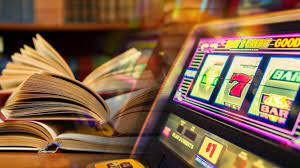 What is the strategy to follow to win on a slot machine?